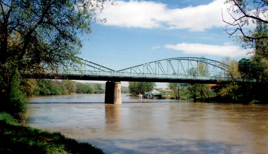 gvozdeni most na moravi trstenik