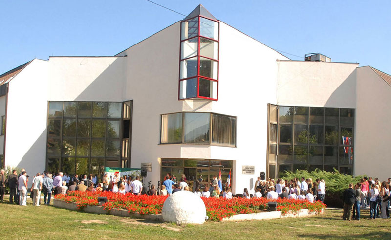 Opština vlasnik kompletne zgrade Fakulteta